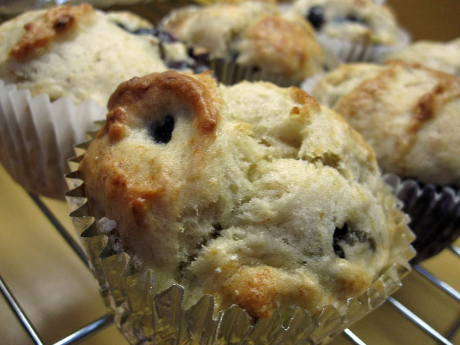 banana blueberry muffins 2
