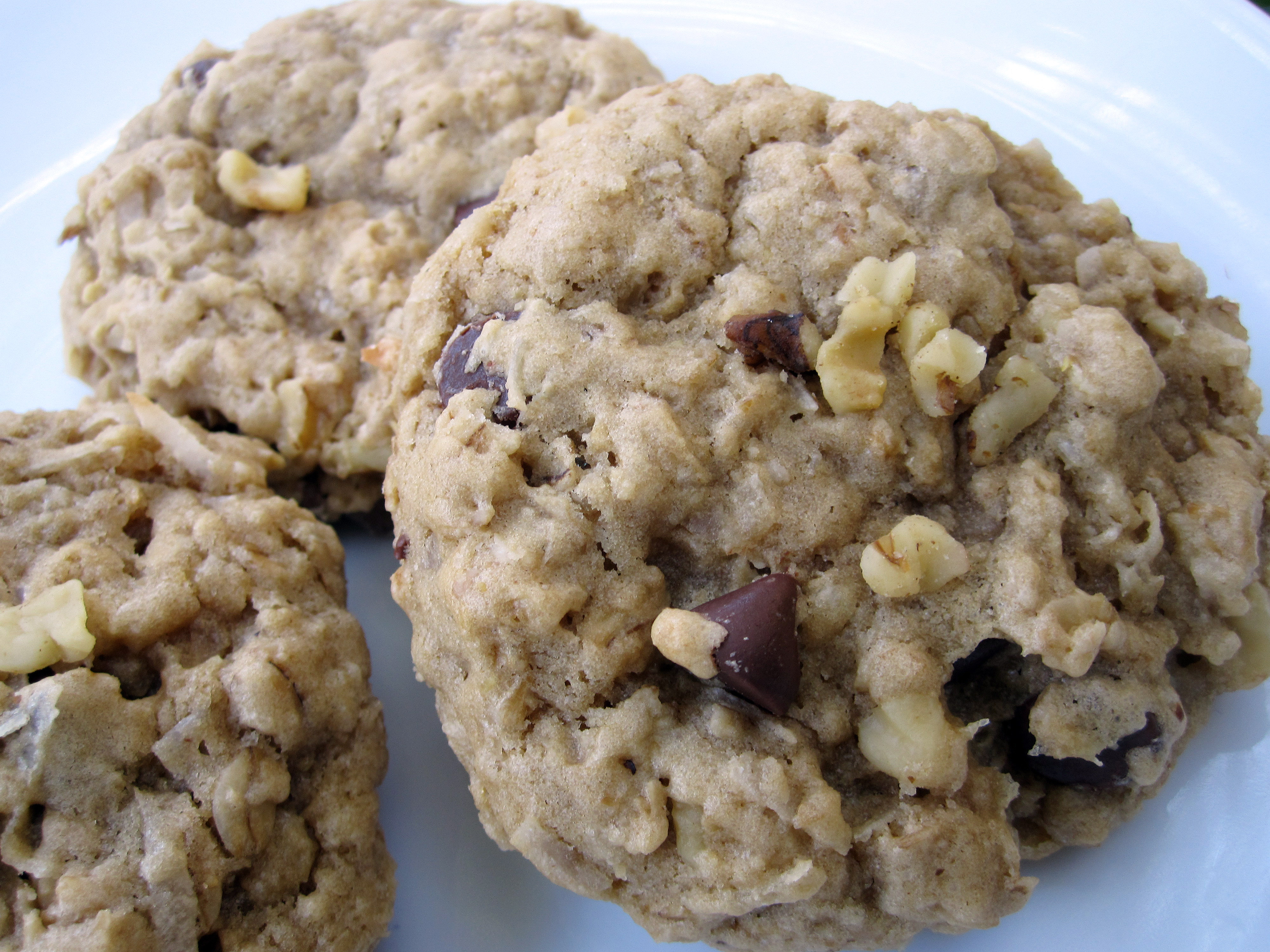 Vegan Cowboy Cookies From Vegan Cookies Invade Your Cookie Jar ...