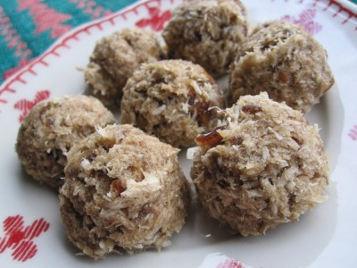 Easy raw food cookie recipe with dates-2