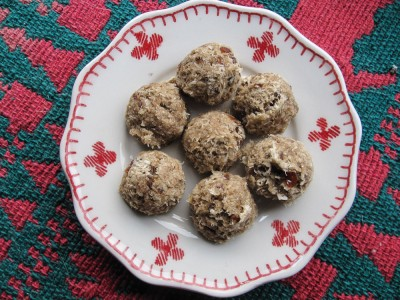 Easy raw food cookie recipe with dates