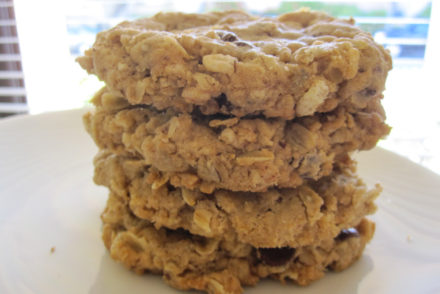 crispy oatmeal chocolate chip cookie recipe-4