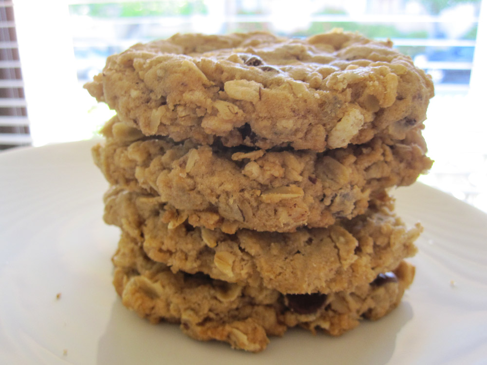 Crispy Vegan Oatmeal Chocolate Chip Cookie Recipe