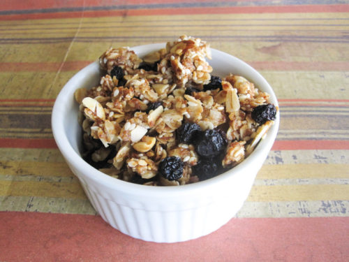 Homemade Granola with Dried Blueberries-3