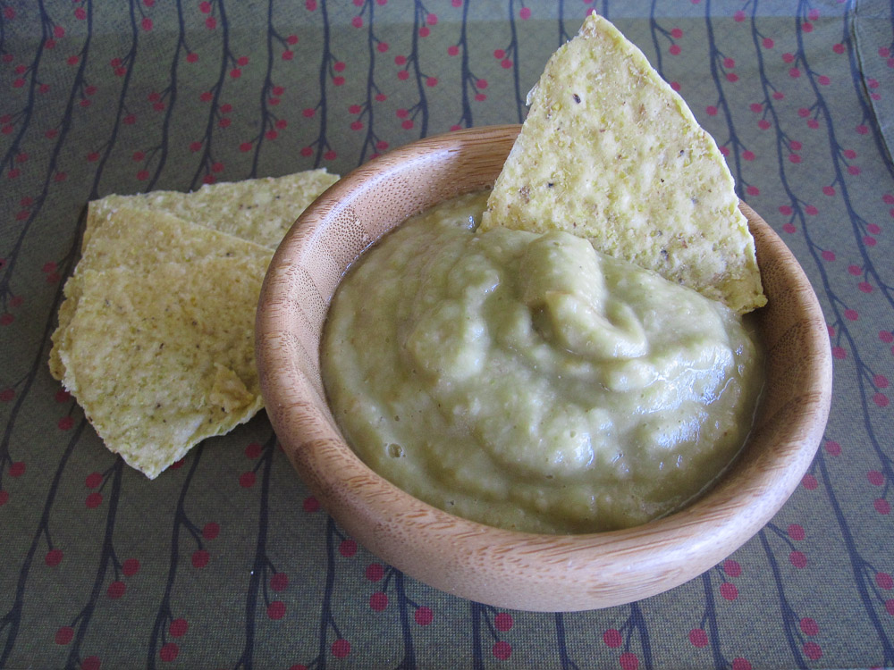 Roasted Garlic & Tomatillo Salsa Verde Recipe #SundaySupper