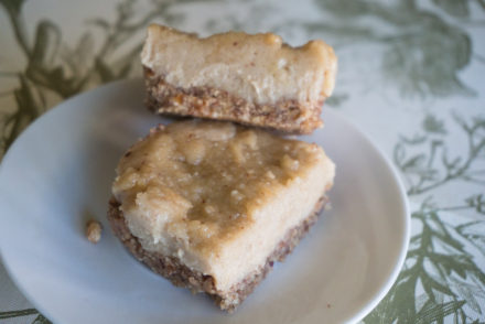 Raw Lemon Cheesecake Bars-2