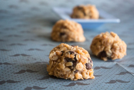 Peanut Butter Chocolate Chip Granola Cookies-3
