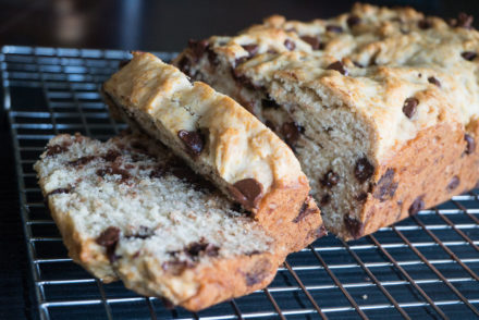 Chunky Monkey Vegan Banana Bread-4