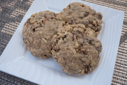 Oatmeal Cookies with Golden Raisins and Maple Syrup-3